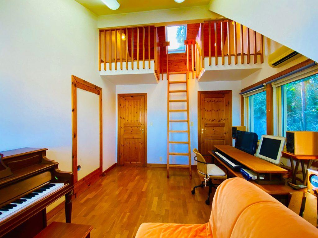 2階ピアノ部屋
