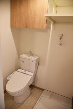 トイレ もちろんウオシュレット、暖房便座付き