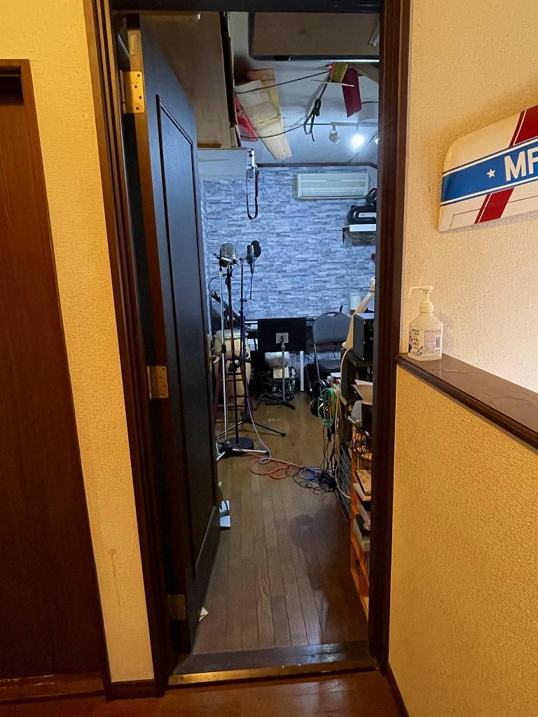 2F防音室入り口