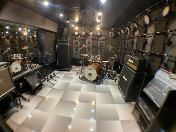 池袋東口 多用途業種対応可能、音楽スタジオ4部屋 再開発地区「ハレザ(Hareza) 池袋」裏の好立地